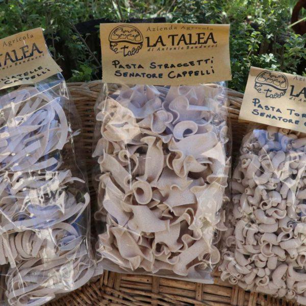 Tagliatelle, straccetti e torchietti biologici prodotti dalle nostre farine